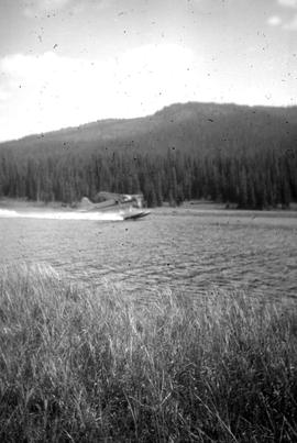 Beaver floatplane, Grizzly Lake